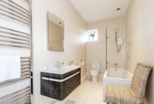 Bathroom of Rowena Cottage, Anvil Point, Swanage