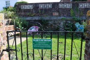 Sign on gate of Wareham pound