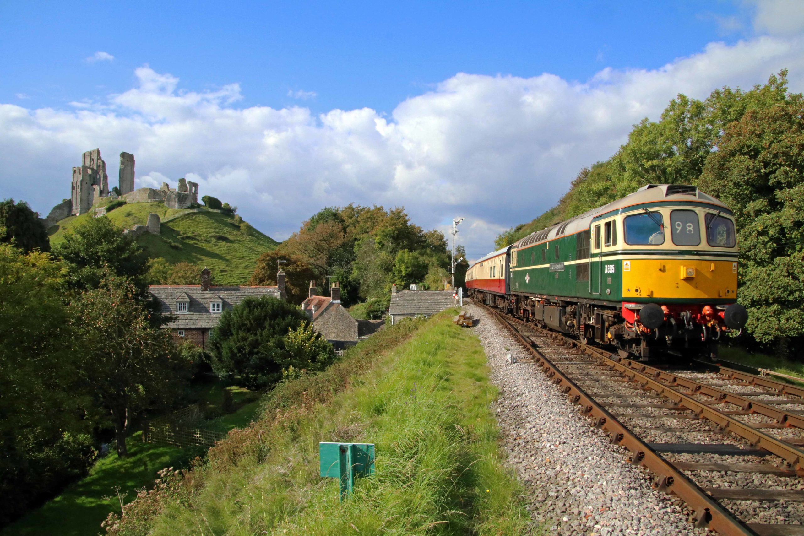 Class 33 No 6561 below Corfe Castle on the Swanage Railway